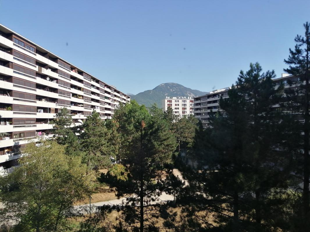 T4 - Grenoble - Place Charles Dullin